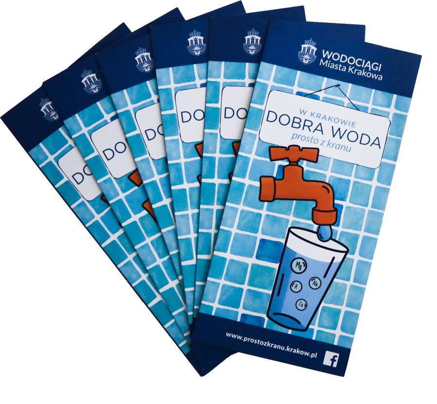 Kilka ulotek z napisem dobra woda prosto z kranu ułożonych w formie wachlarzu.